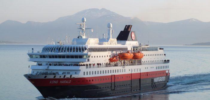 Die Hurtigruten Schiffe