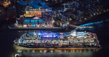 Schiffstaufe Mein Schiff 6 in Hamburg