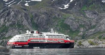 Das erste Hybridschiff: Die Roald Amundsen