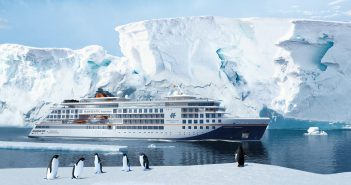 Hapag-Lloyd Cruises tauft die HANSEATIC inspiration in Hamburg